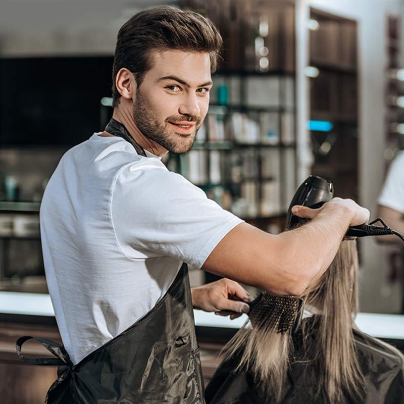 parrucchiere-che-usa-joyplan